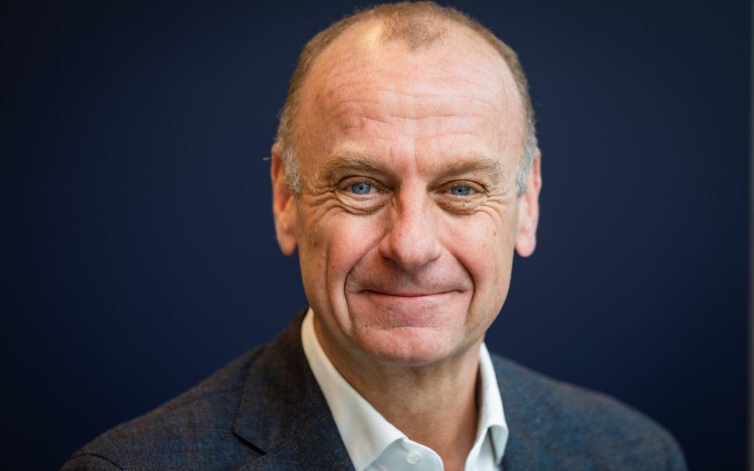 Herman Opmeer leidt bijeenkomst